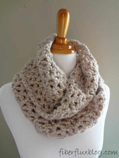 f977ea5481c396 Classic Crochet Infinity Scarf