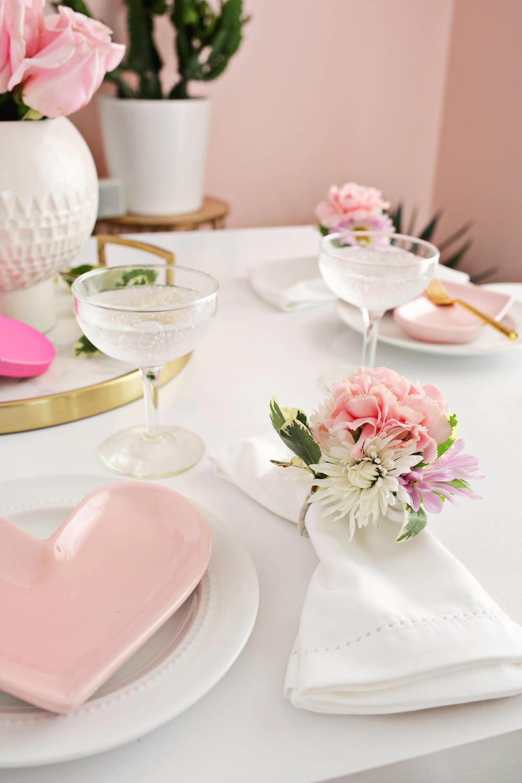 diy floral napkin ring allfreediyweddingscom