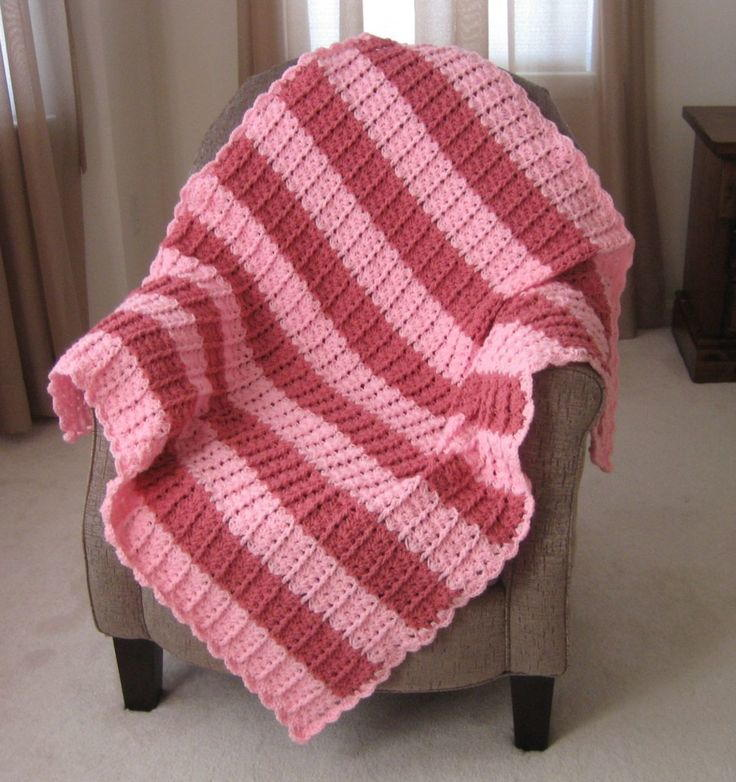 Lacy Shades of Pink Shells Afghan ...