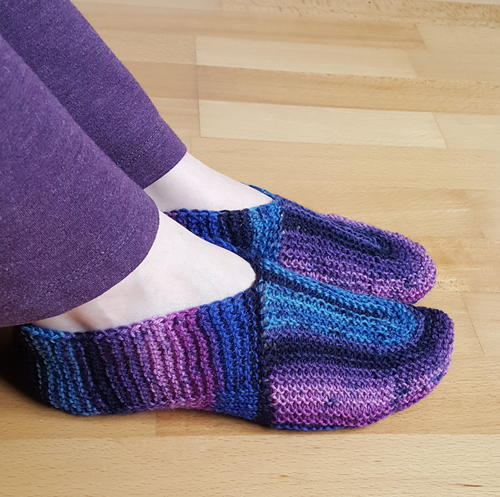 U-Turn Knit Slippers AllFreeKnitting.com