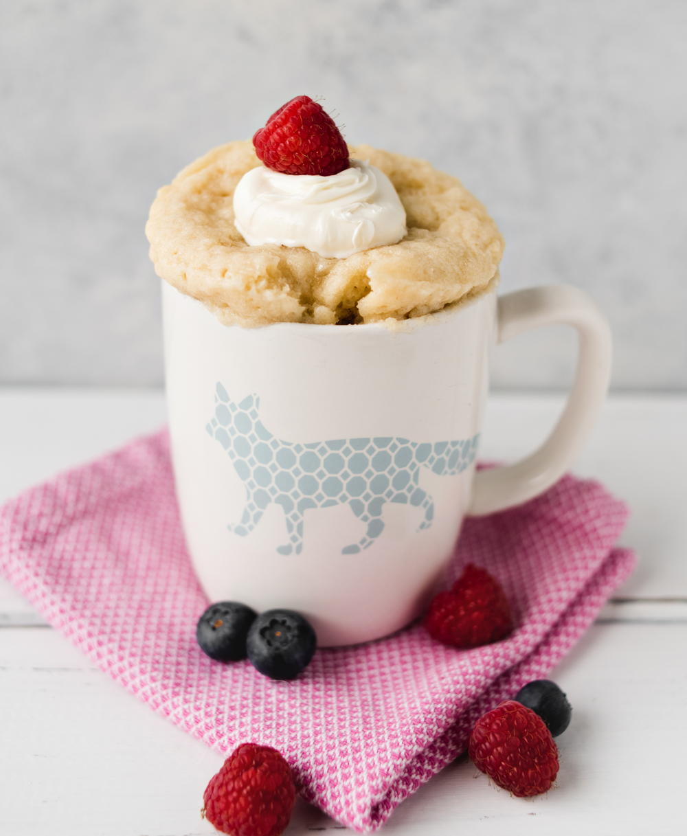 Moist Vanilla Mug Cake Recipe (2 Minutes!)