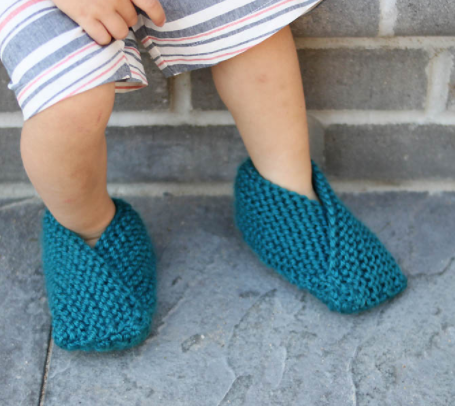 62ac6dd7c46 Zooming Toddler Easy Knit Slipper Pattern
