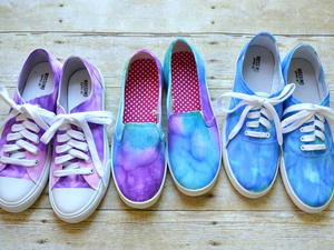 DIY Tie Dye Shoes