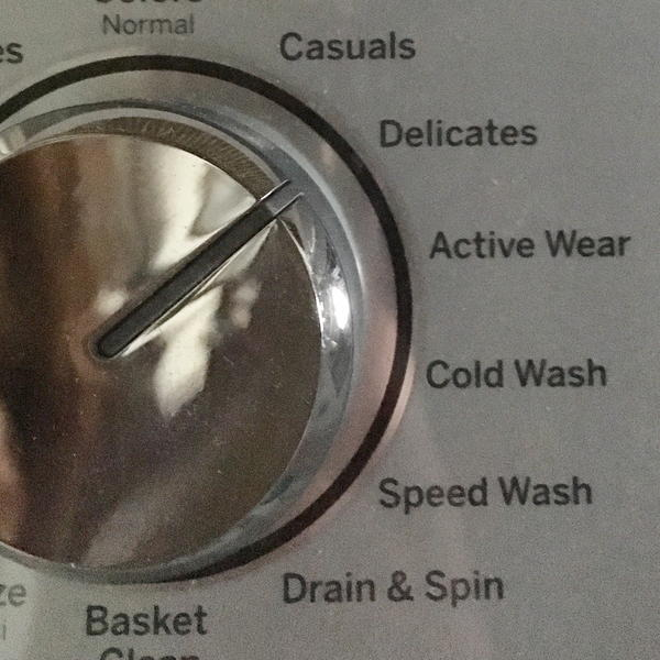 When using the washing machine for felt, use a gentle cycle.