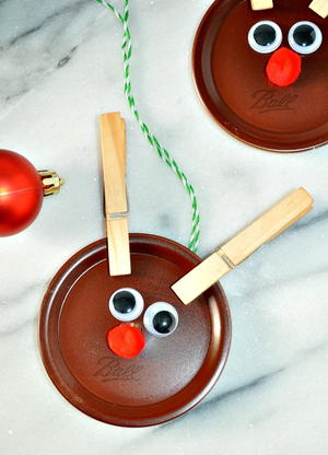 Mason Jar Lid Reindeer Crafts