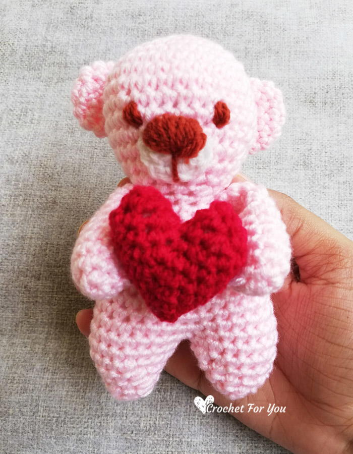 Free Heart pattern and My Rikki Bear | LillaBjörn's Crochet World | 900x700