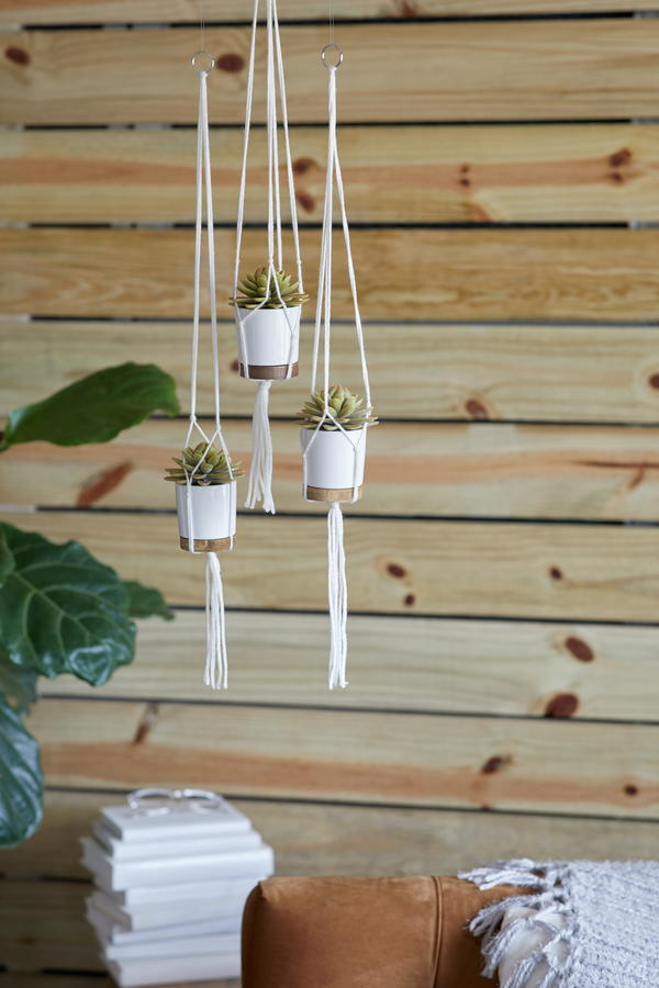 How to Make a Simple Macrame Plant Hanger