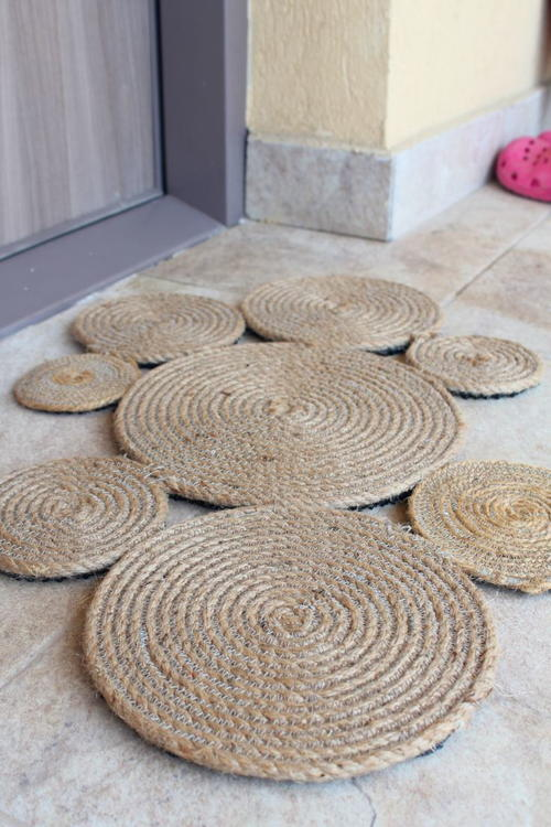 DIY Coiled Rope Rug