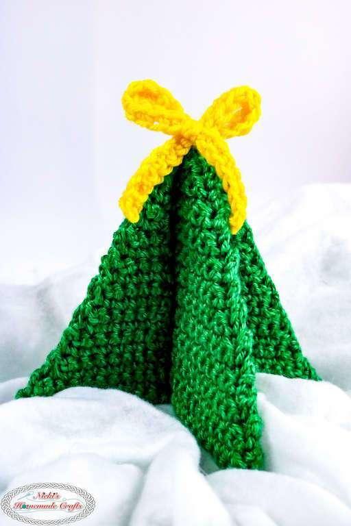 Easy Crochet Mini Christmas Tree Decoration