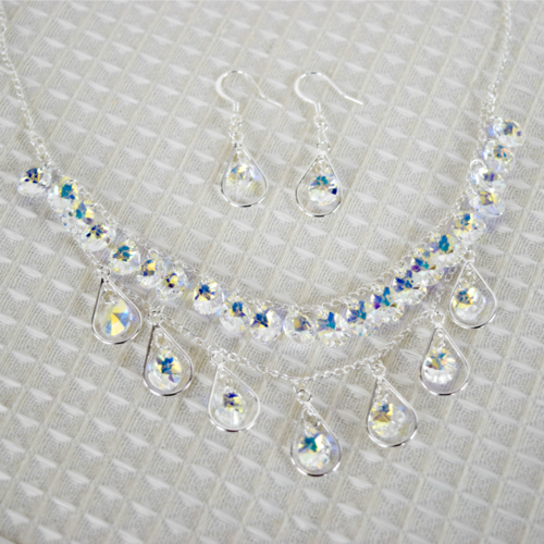 DIY Teardrop Necklace and Earrings