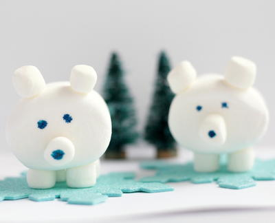 Easy 3D Edible Marshmallow Polar Bear Craft