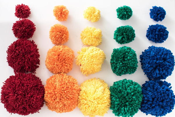 How to Pick the Right Size Yarn for Pom Poms