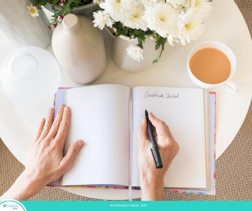 How to make a gratitude journal in 5 easy steps