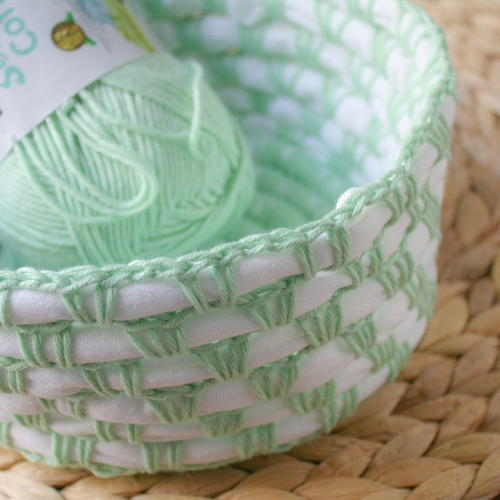 Recycle T-shirt Crochet Basket