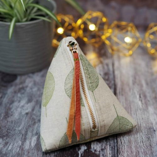 Cute Pyramid Pouch- Free Pattern
