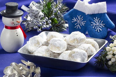 Powdered Snowball Cookies