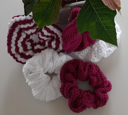 5 Awesome Patterns To Crochet Lovely Scrunchies As Short Time Projects