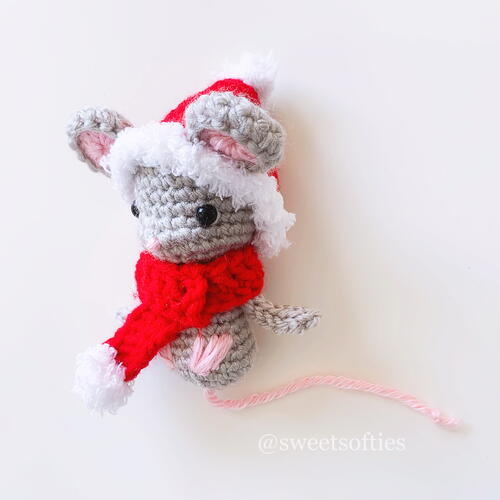 Christmas Holiday Mouse Amigurumi Animal Doll Ornament