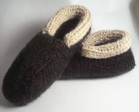 Cozy Cabin Slippers For Men Favecrafts Com