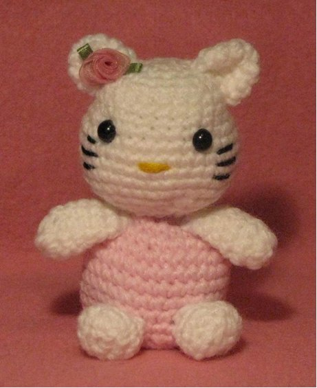 Amigurumi Hello Kitty Mariquita : Hello Kitty Crochet Pattern by Crafts by AP FaveCrafts.com