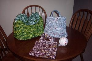 How to Make Plarn, Plastic Bag Yarn Knit Tote Pattern