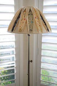 Peek-a-Boo Lampshade Makeover