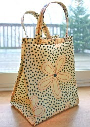 Oilcloth Lunch Tote Tutorial