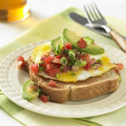 Egg, Tomato and Scallion Sandwich | FaveHealthyRecipes.com