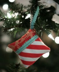 christmas crafts to make trendy pillow ornament allfreeholidaycrafts 28773