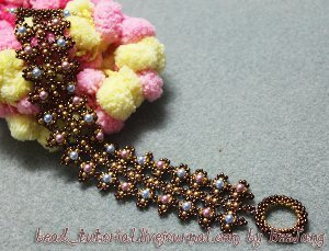 Beginner Right Angle Weave Bracelet