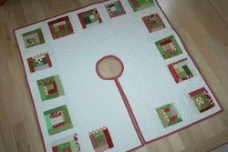 Log Cabin Christmas Tree Skirt