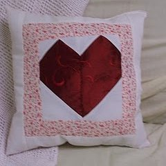 Beginner S Patchwork Heart Pillow Favequilts Com