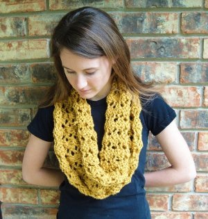 Four Row Holey Cowl