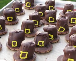 Marshmallow Pilgrim Hats