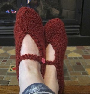 Free Knit Slipper Patterns Beginners : One Ball Mary Jane Slippers AllFreeKnitting.com