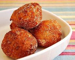Homemade Dunkin Donut Munchkins