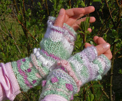 Bobble Fingerless Mittens