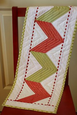 Zigzag Ricrac Table Runner