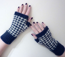 Houndstooth Fingerless Gloves Pattern