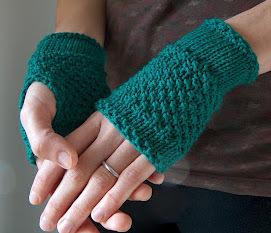 Emerald Green Handwarmers | AllFreeKnitting.com