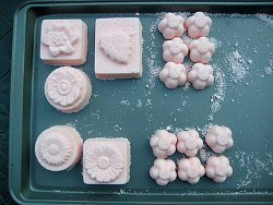 Molded Holiday Bath Bombs