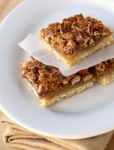 Thanksgiving Pecan Pie Bars