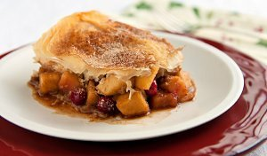 Apple Cranberry Strudel Pie
