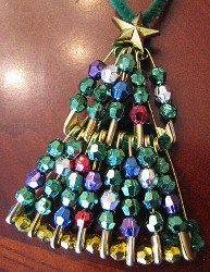Beaded Safety Pini Mini Christmas Tree