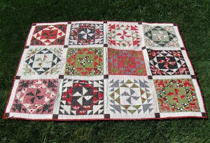 Spinning and Spiraling Christmas Quilt