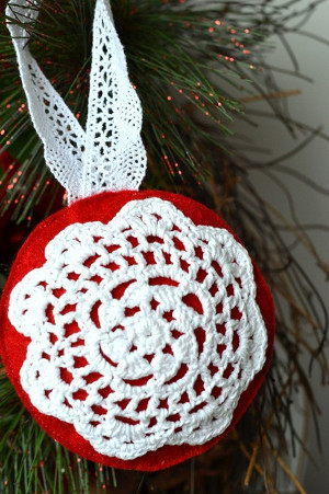 Simple Doily Snowflake Ornaments