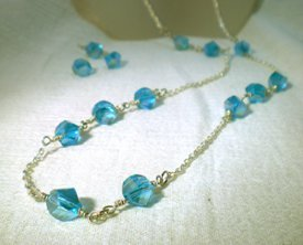 Graceful Crystal and Wire Necklace