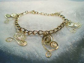Hammered Wire Heart Bracelet
