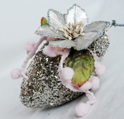 Glittery Wallflower Ornament