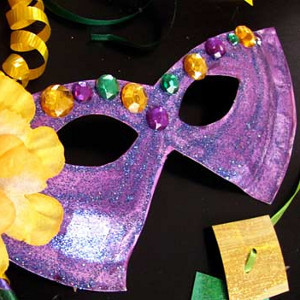 Masked mardi gras paper plate craft for Mardi gras masks crafts